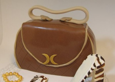 purse-cake