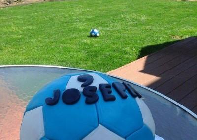 soccer-ball-cake